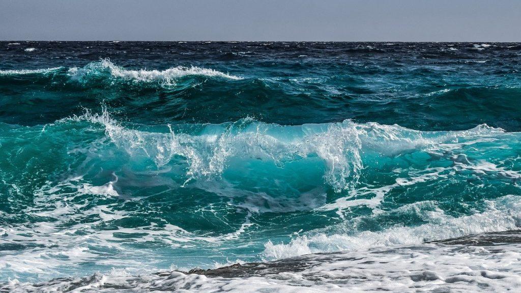 waves, sea, ocean-3473335.jpg